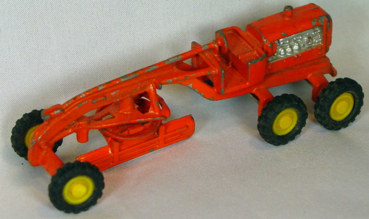 72 - HONG KONG 8102 Caterpillar Scraper Orange