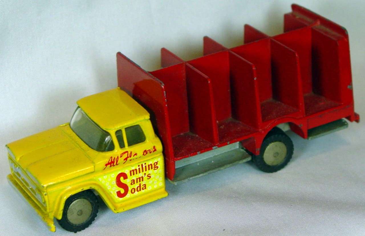43 - HUBLEY REALTOY Chevy Soft Drinks Truck no crates