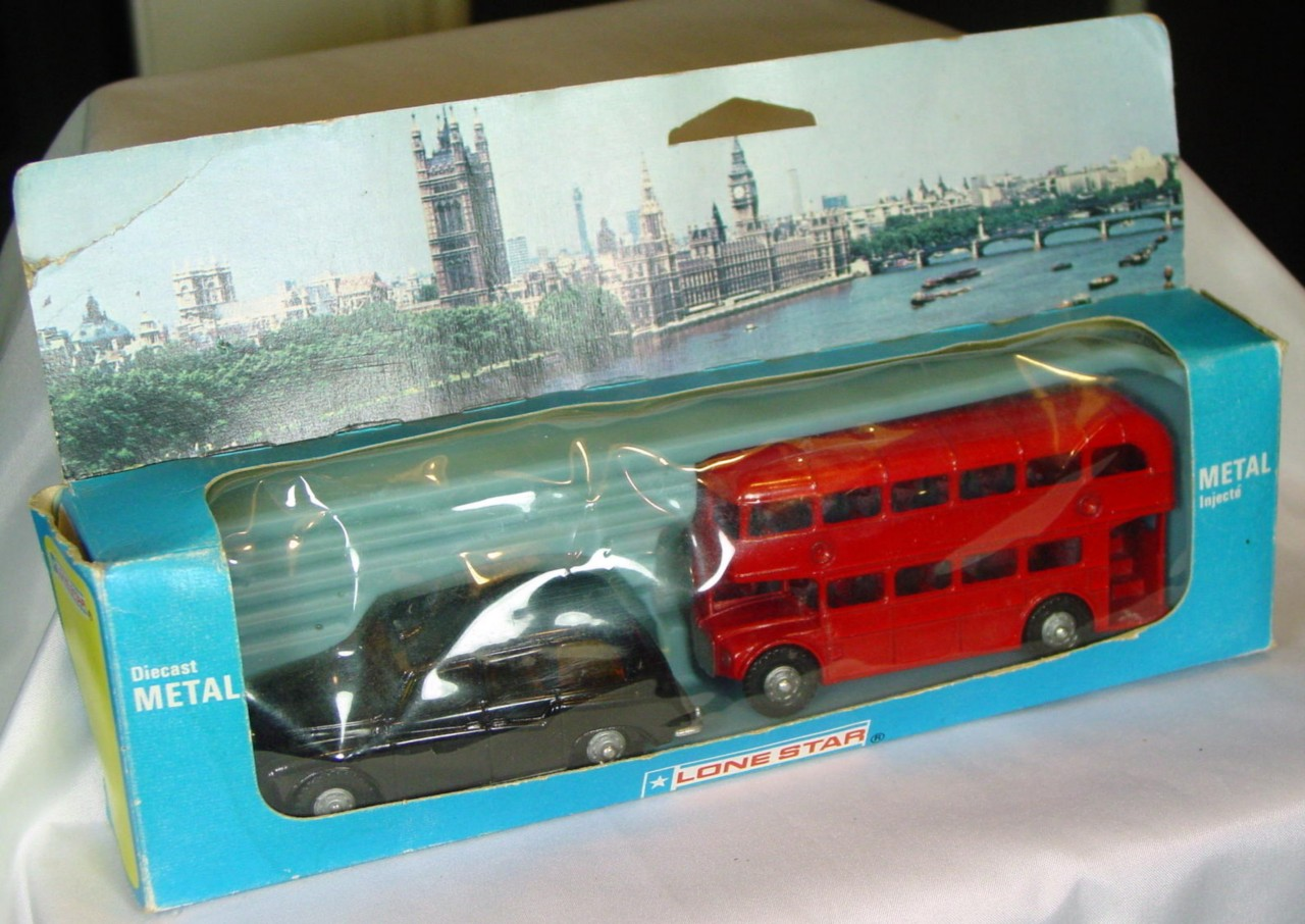 43 - LONE STAR 2-pc red Bus/black Austin Taxi C9 window box