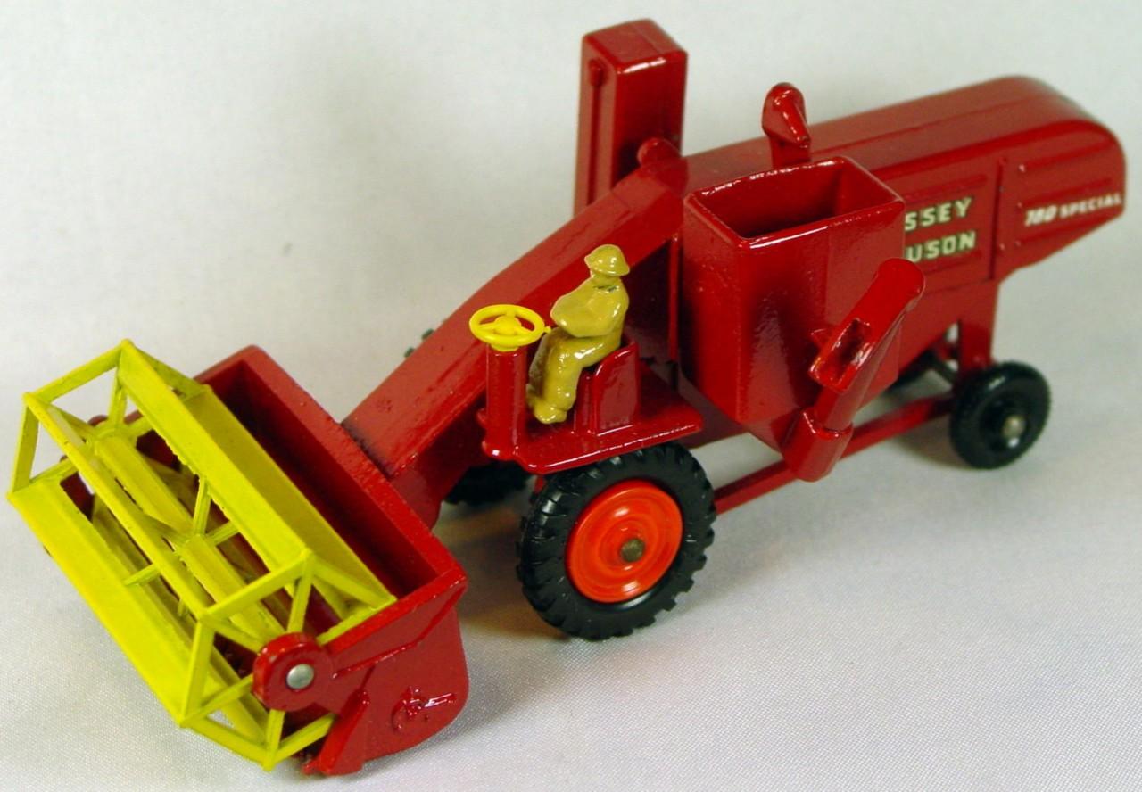 Major Pack 05 A 2 - Massey Combine orange front hubs