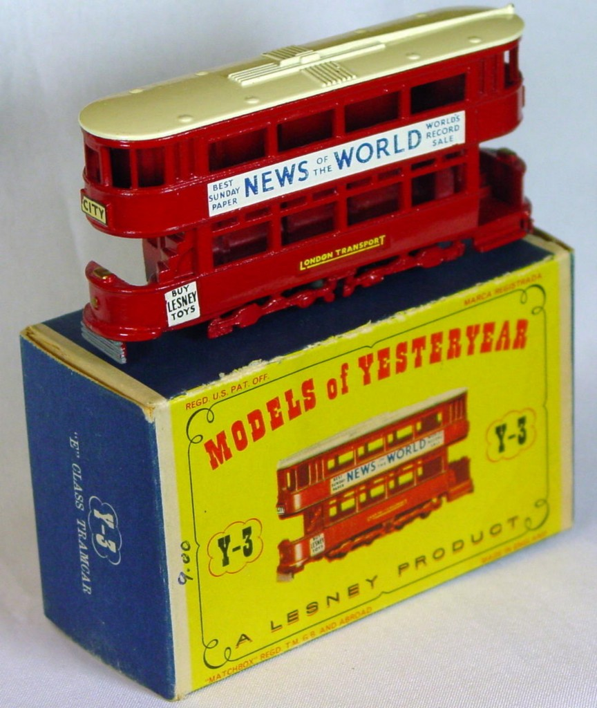 Models of YesterYears 03 A 4 - Tramcar black plastic wheels white roof open deck 3chips C9 D1 MILL14