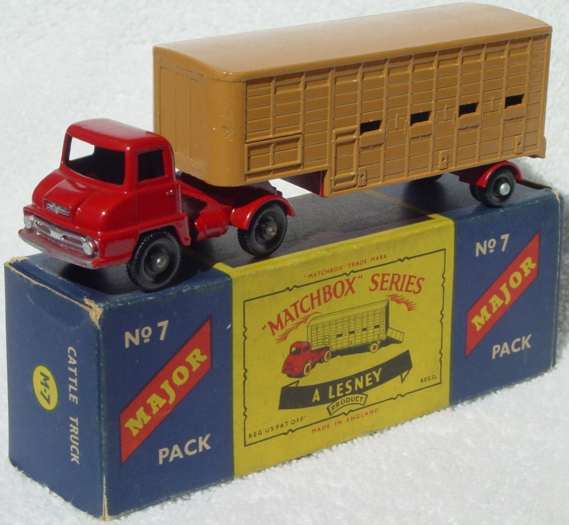 Major Pack 07 A 3 - Jennings Cattle black wheels dark tan red door two slight chips C9.5 C