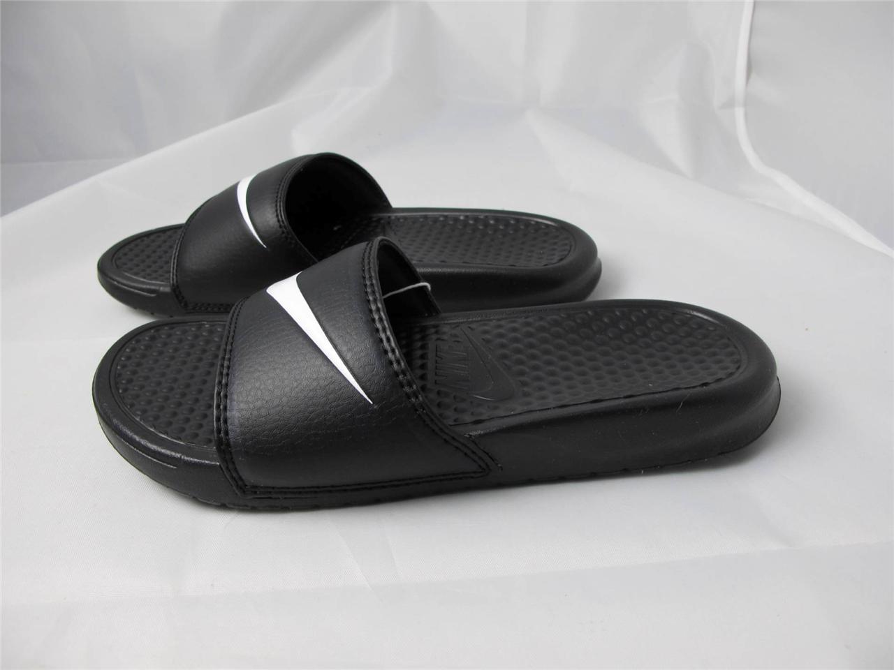 3c3b90bc98b4 La foto se está cargando Nuevo-Para-Mujer-Nike-Benassi-Swoosh-312432-010-