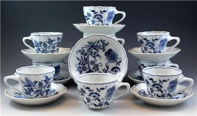 Vintage Blue Danube Porcelain Cup /& Saucer Blue Onion Design Japan Discontinued