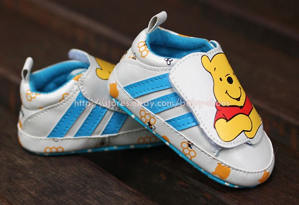 Baby Boy Girl Sneakers Winnie The Pooh Crib Shoes Size Newborn to 18 Months