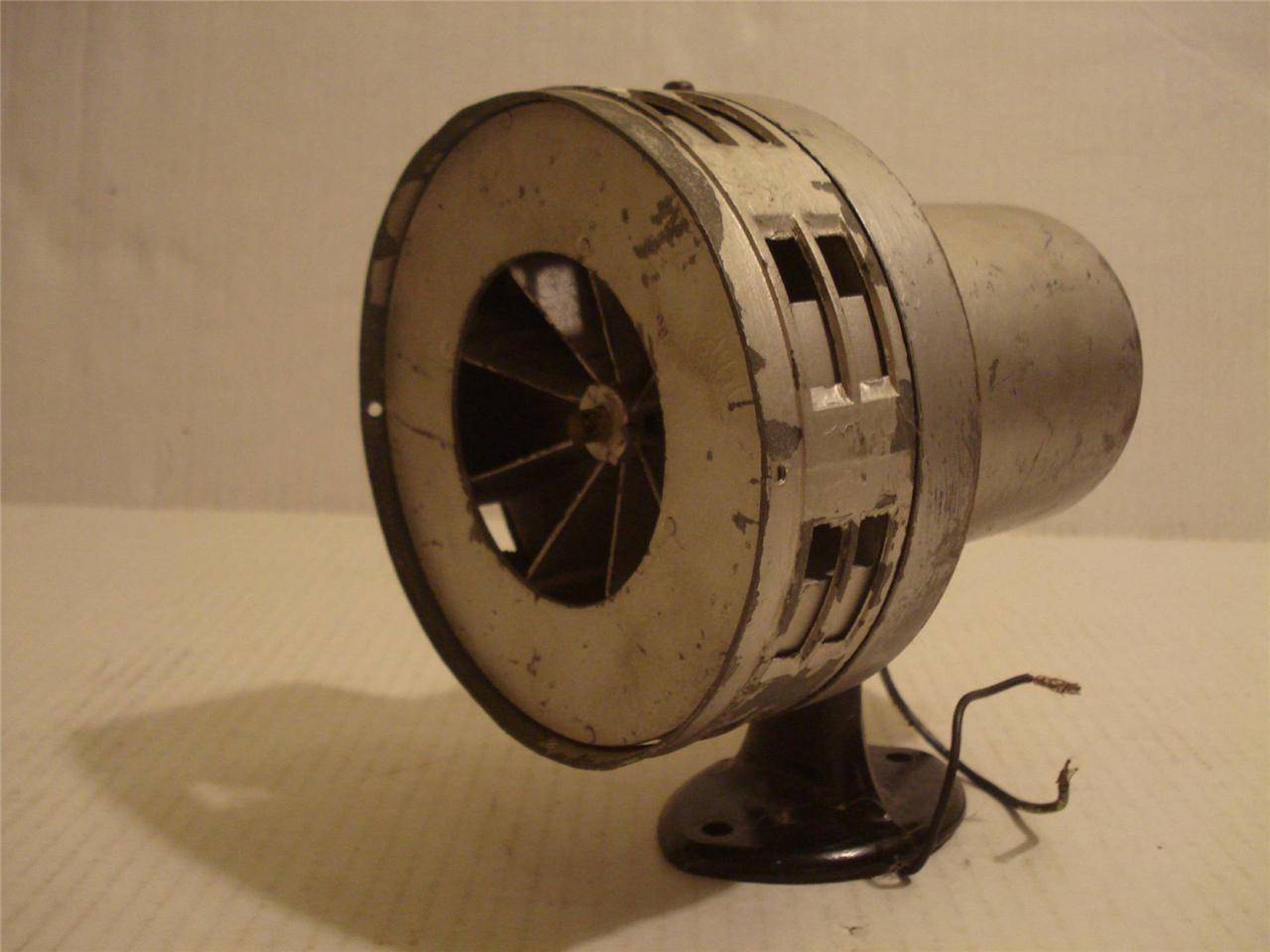 Vintage Federal Signal 115