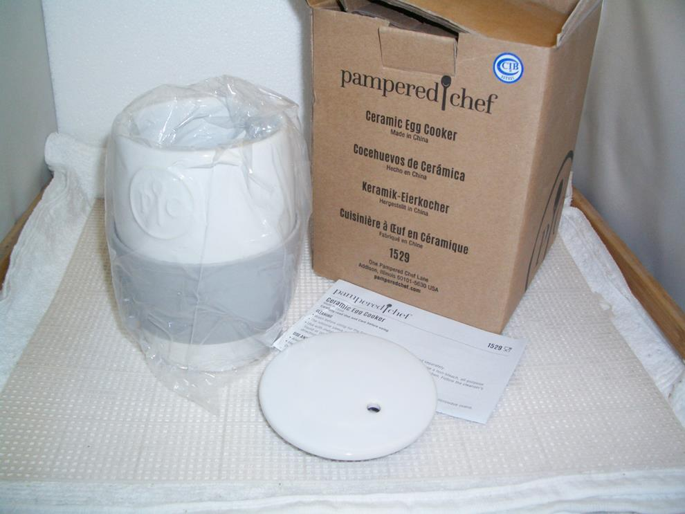 New Pampered Chef CERAMIC EGG COOKER - Muffins Oatmeal Eggs