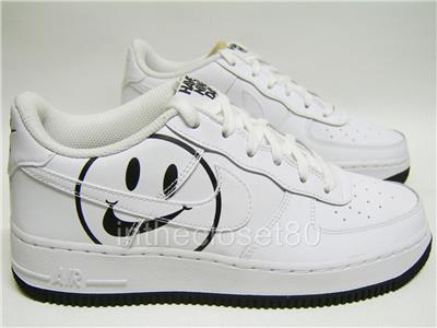 low priced b176f ce045 Nike Air Force 1 LV8 GS Have a Nike Day White Black Juniors Trainers AV0742  100